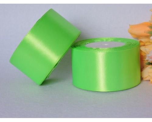 Однотонная атласная лента 50 мм, неоново-салатового цвета
