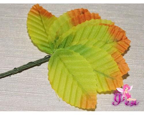 Листья тканевые на проволоке, (размер листа 5*3 см, длина проволоки-6 см), зелено-оранжевого  цвета (  5 шт)