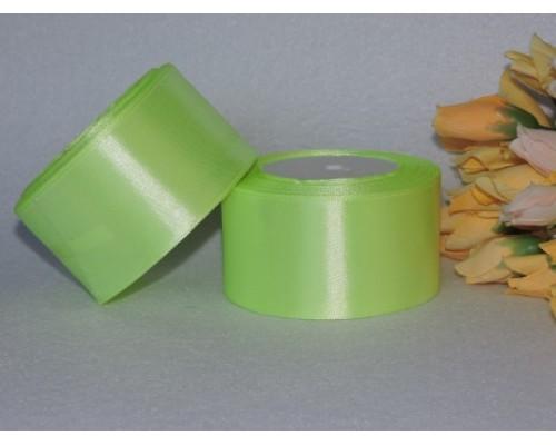 Однотонная атласная лента 50 мм , бледно-салатового цвета