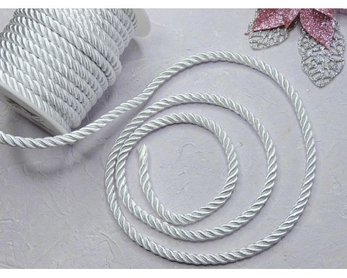 Шнур декоративный крученный 6 мм, цв. белый  - 1 м.