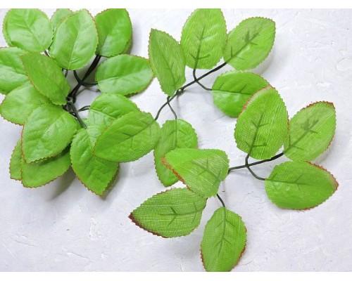 Листик розы 6шт на веточке, цв зеленый с  каймой - 1веточка.